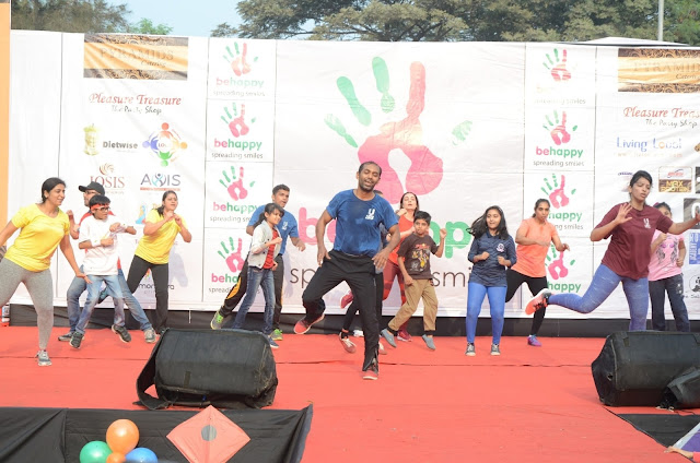 Zumba Performing At Be Happy Event Lokhandwala back Road