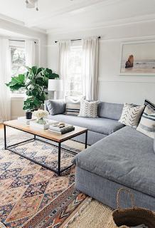 Desain ruang tamu sederhana warna soft