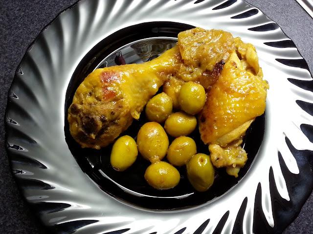 Tajine de poulet au citron confit et aux olives vertes - Tajine di pollo al limone confit e alle olive verdi