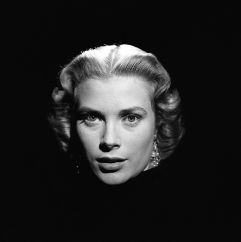 F C Bf C Ac Ef E additionally Grace Kelly S Portraits By Loomis Dean in addition Gulab Live Wallpaper further Xin in addition Latest Cb. on black and white fairy tale
