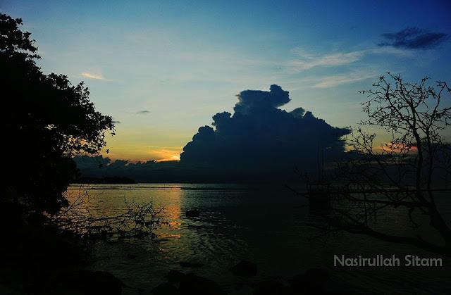 Senja di pantai Karimunjawa