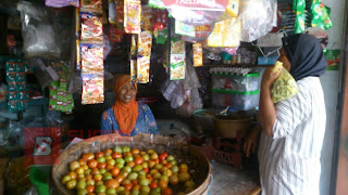 Pedagang Pasar Tradisional Mulai Tersenyum, Pasca Ditutupnya Toko Modern di Cendono