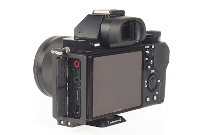 Sunwayfoto PSL-a7 L Bracket on SONY a7 side/back view