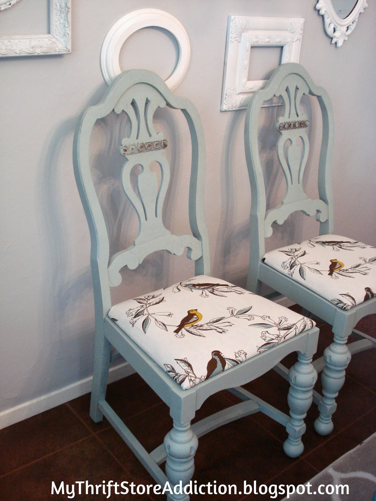 Chalk painted thrift store chair upcycle