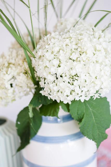 Friday Flowerday, Vase Omaggio von Kähler, Pomponetti