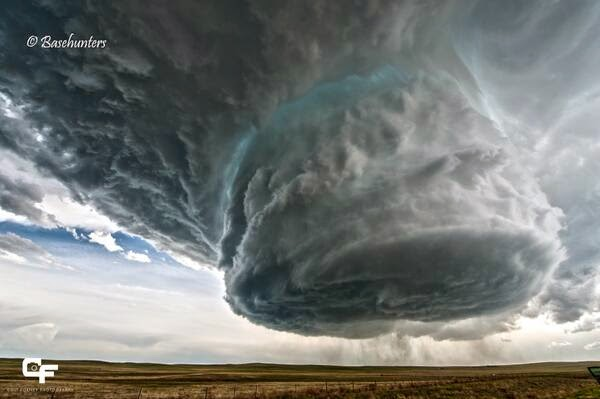 Time-lapse supercell thunderstorm in Wyoming