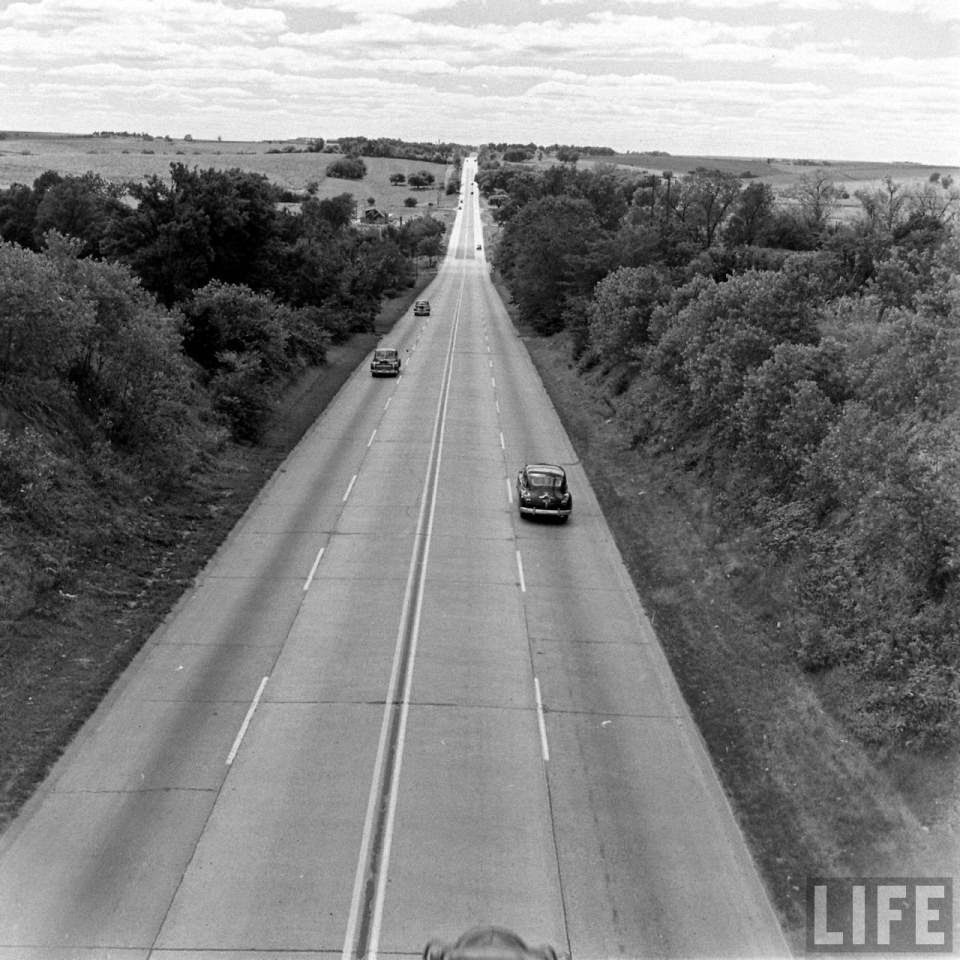 Awesome Pictures of U.S. Route 30 in 1948 Show a Slice of ...
