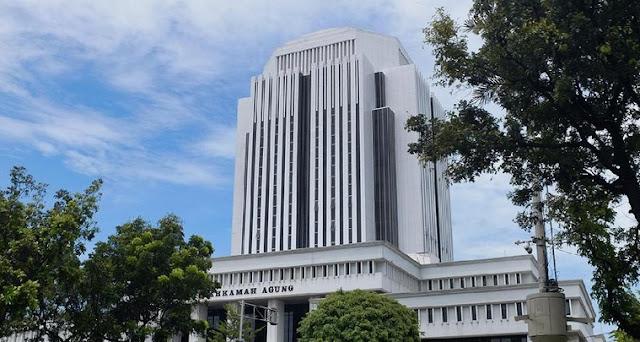 Sst..MA Sempat 'Diamkan' Kasus Hakim Pebinor yang Ajak Mandi Bareng