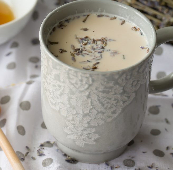 Earl Grey Latte with Lavender and Honey