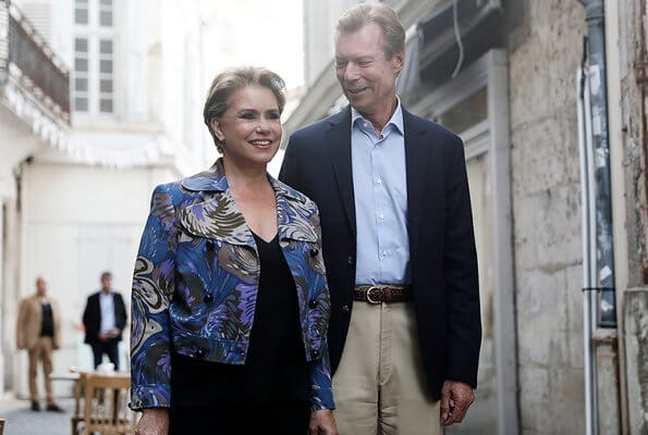 Grand Duchess Maria Teresa wore Emilio Pucci printed silk crepe de chine blazer azure in blue and black trousers
