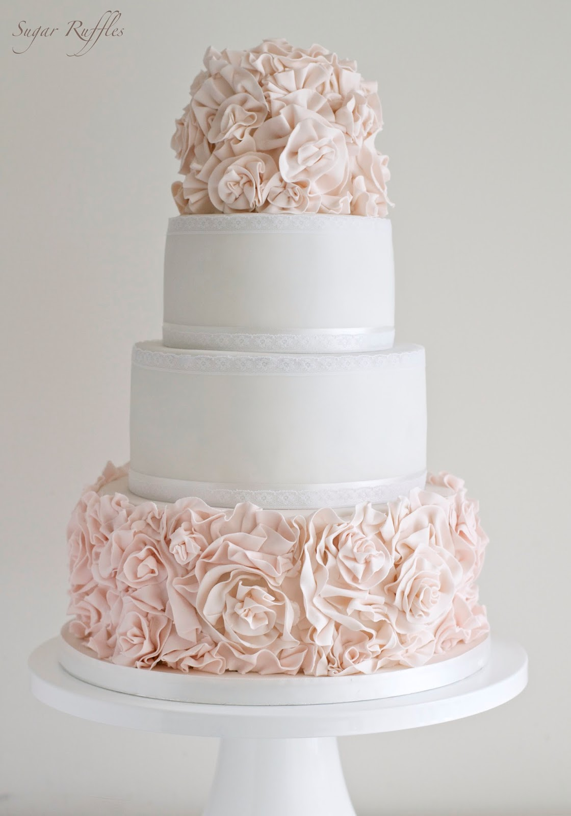 ruffled wedding cake sugar flowers and ruffles 19457