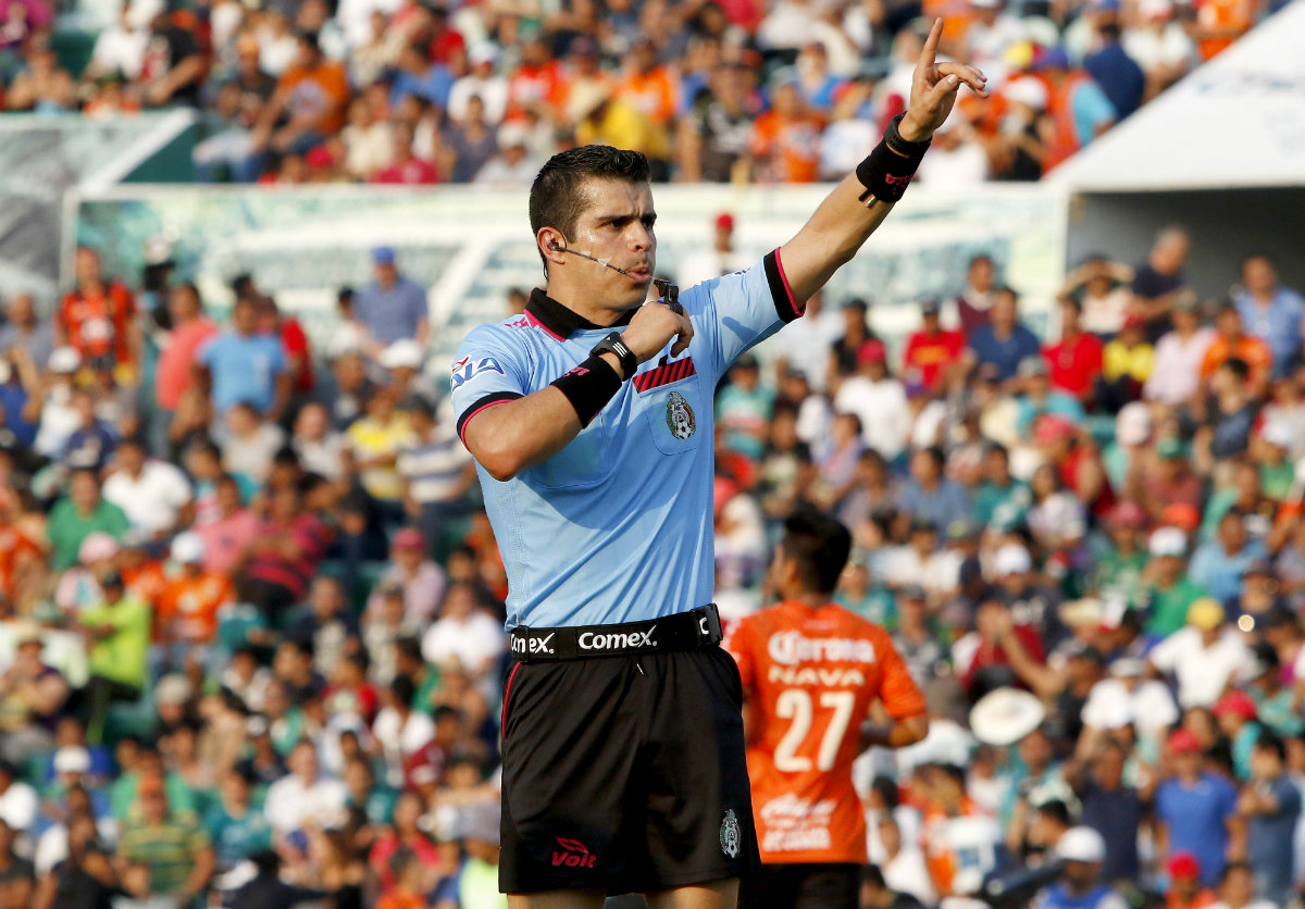 Fernando Hernández, el encargado de pitar la Final de Copa MX.
