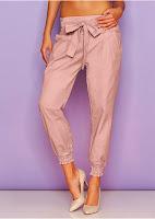 Pantaloni cu croială lejeră