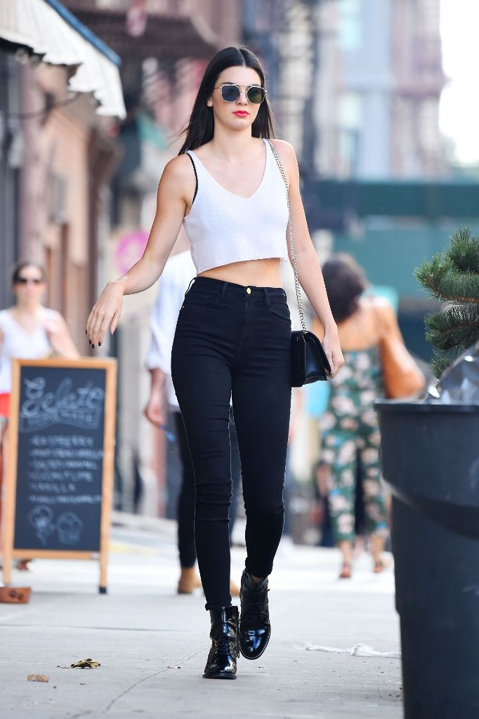 Kendall Jenner chic outfit street style fashion in New York City