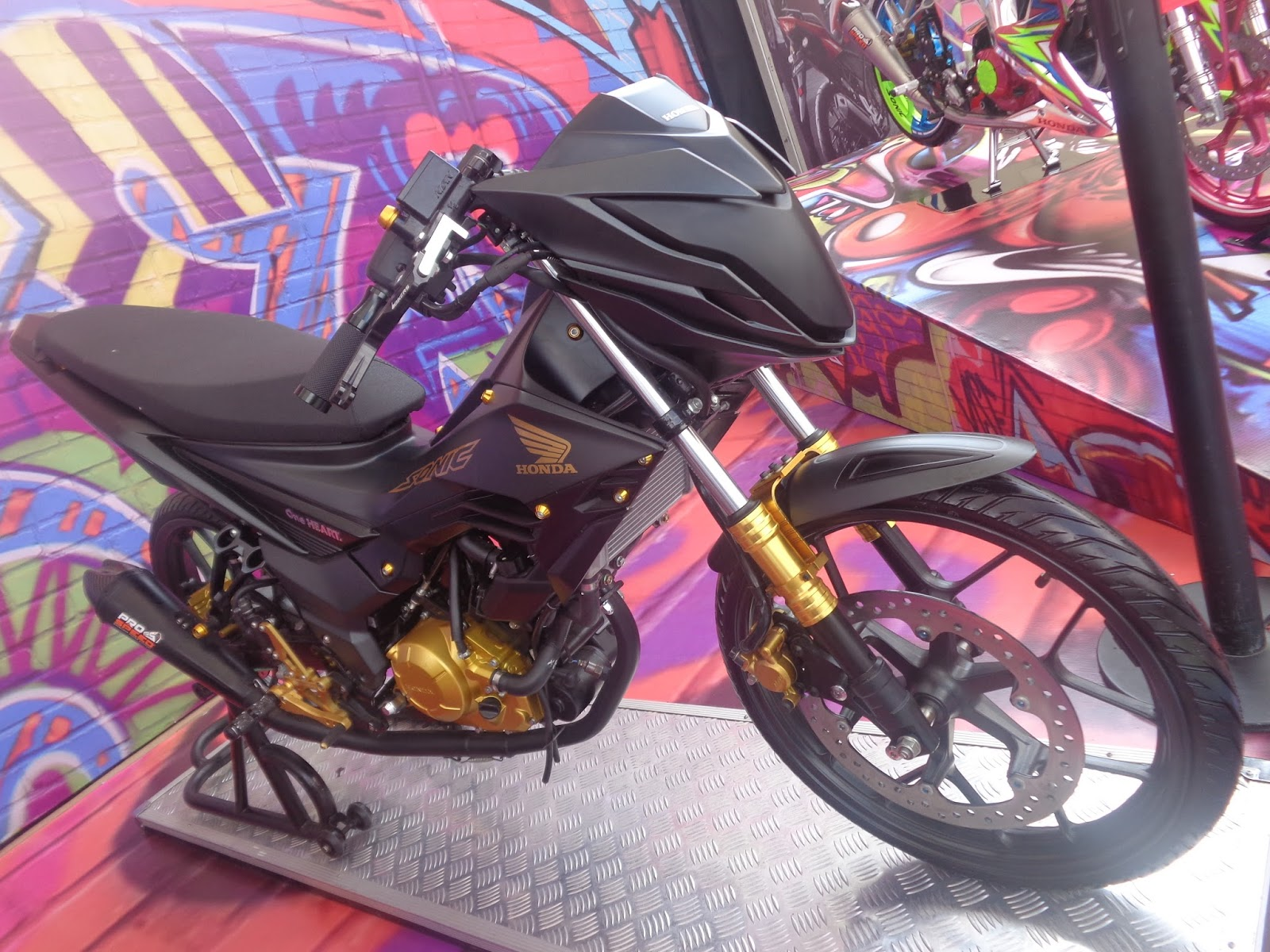 Modifikasi Motor Honda Sonic Terupdate 150r Aggresso Matte Black Boyolali Spied 150rdark Knight Tenan