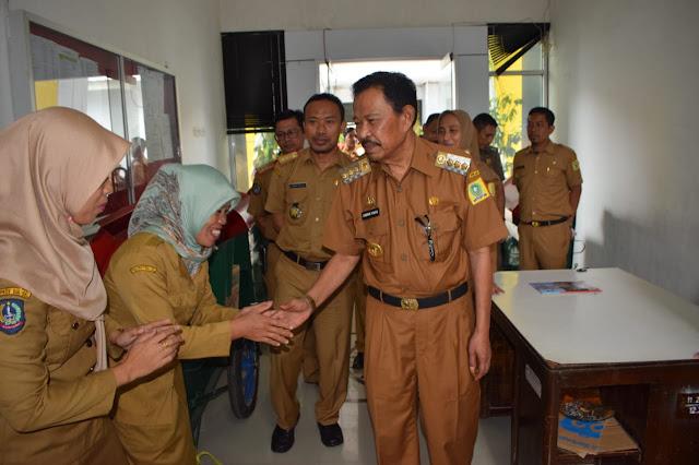 Usai Cuti Kampanye Sabirin Yahya Kembali Masuk Kantor Sekaligus Menyapa Pegawai di Beberapa Istansi