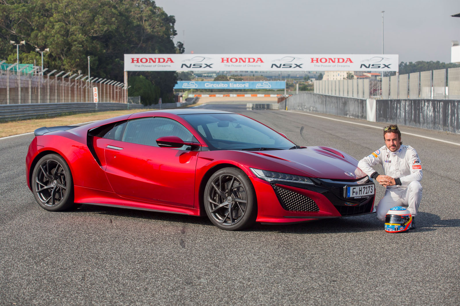 fernando alonso stoffel vandoorne demonstrate honda nsx at estoril w video. Black Bedroom Furniture Sets. Home Design Ideas