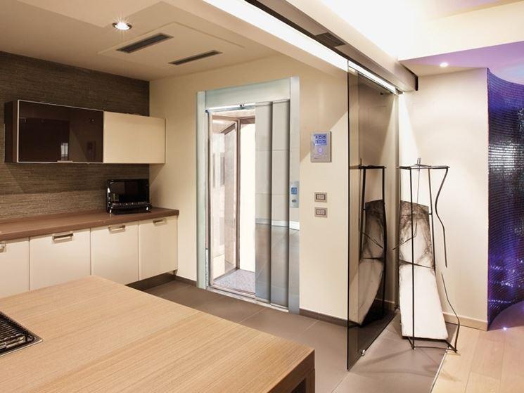 Montascale e mini ascensori come adattarli all for Case con ascensori