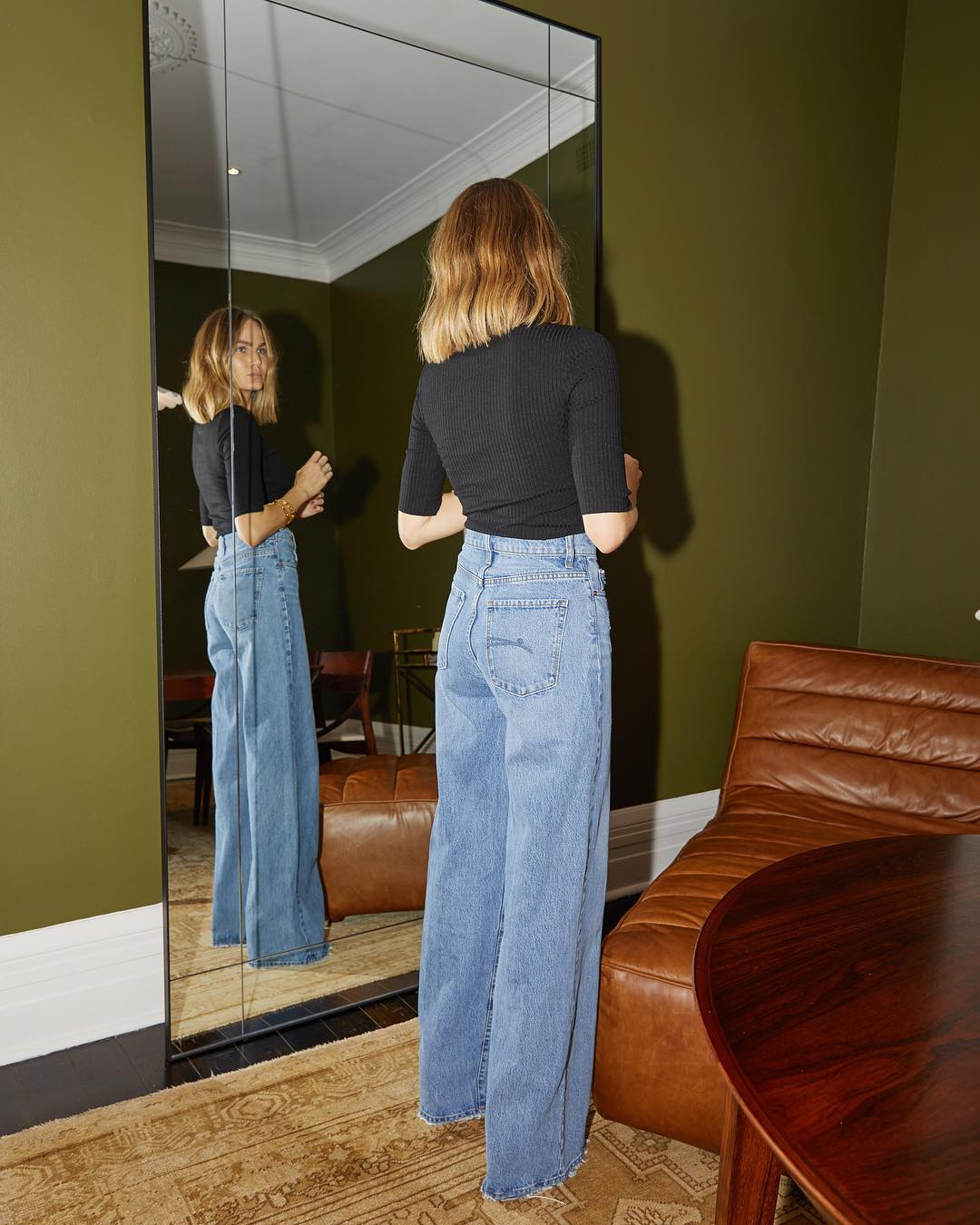 How to Wear Wide-Leg Jeans for Spring — Brooke Testoni Instagram Outfit Idea