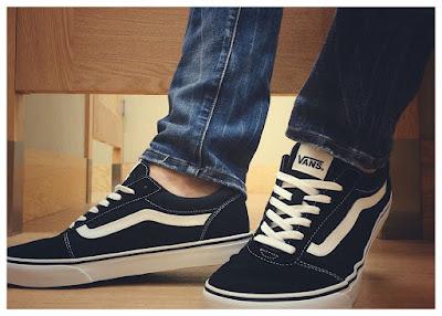 sepatu vans favorit pria