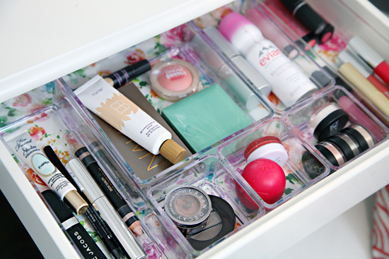 Makeup Organization Tips from I Heart Organizing [Weekly Round-Up at High-Heeled Love]