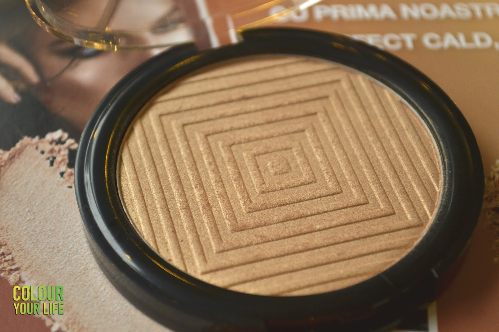 Colour Your Life On Feedspot Rss Feed La Girl Pro Face Hd Matte Pressed Powder Medium Biege 609 Me I Use This Highlighter Almost Daily And Simply Love Its Peach Rose Gold Tone Must Admit It Will Be Hard To Find One That Top Ones