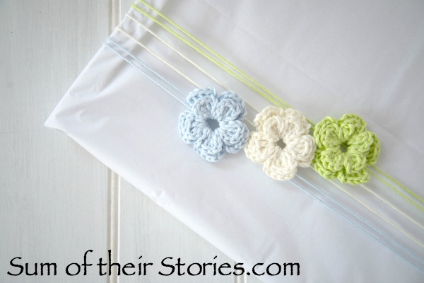 Crochet flowers used or gift wrap
