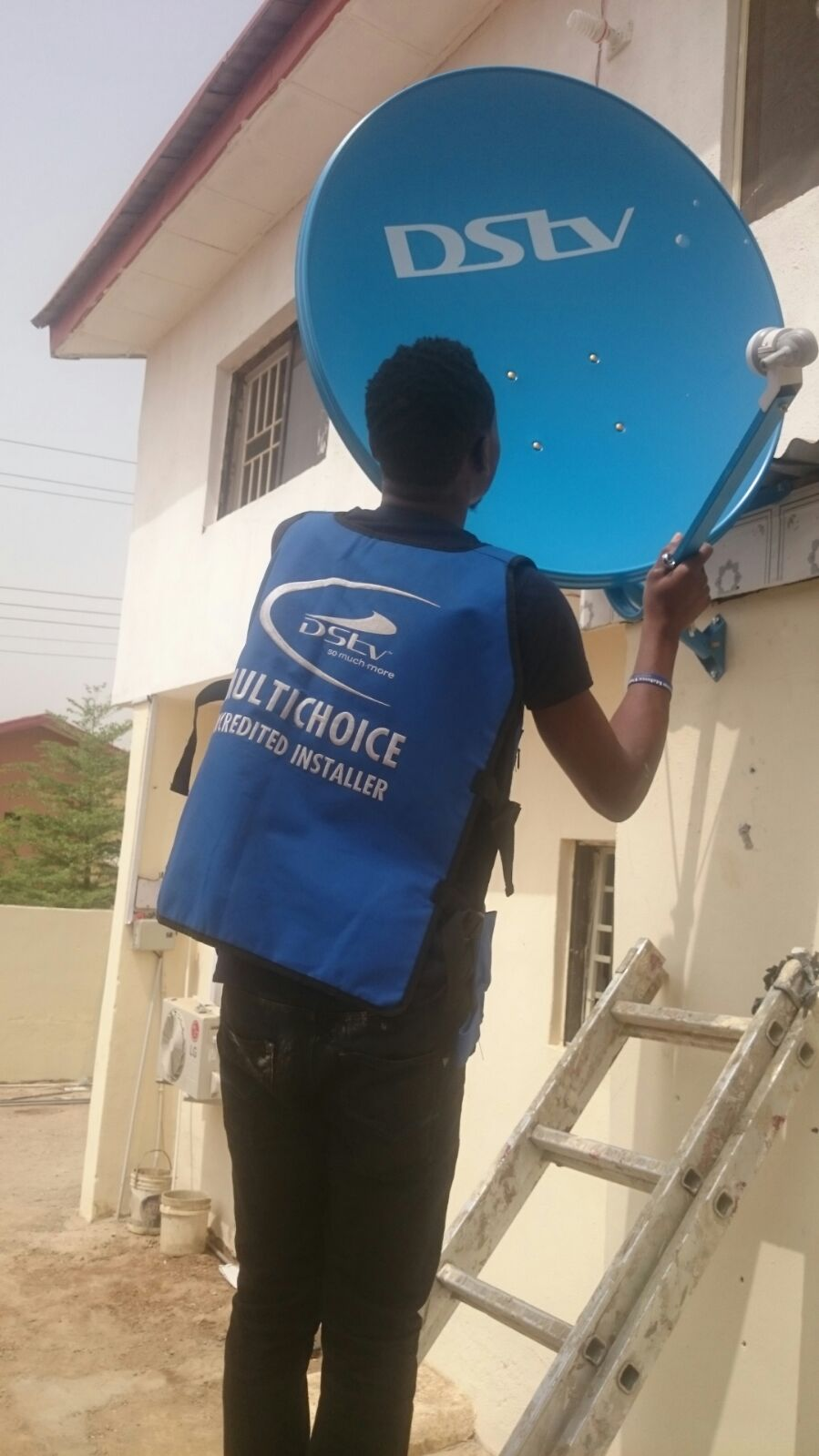 HOW TO MAINTAIN A PERFECT SATELLITE TV SIGNAL DURING THE RAINY – Satellite Dish Technician