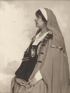 Helena Paderewska jako przewodnicząca Polskiego Białego Krzyża - 1918