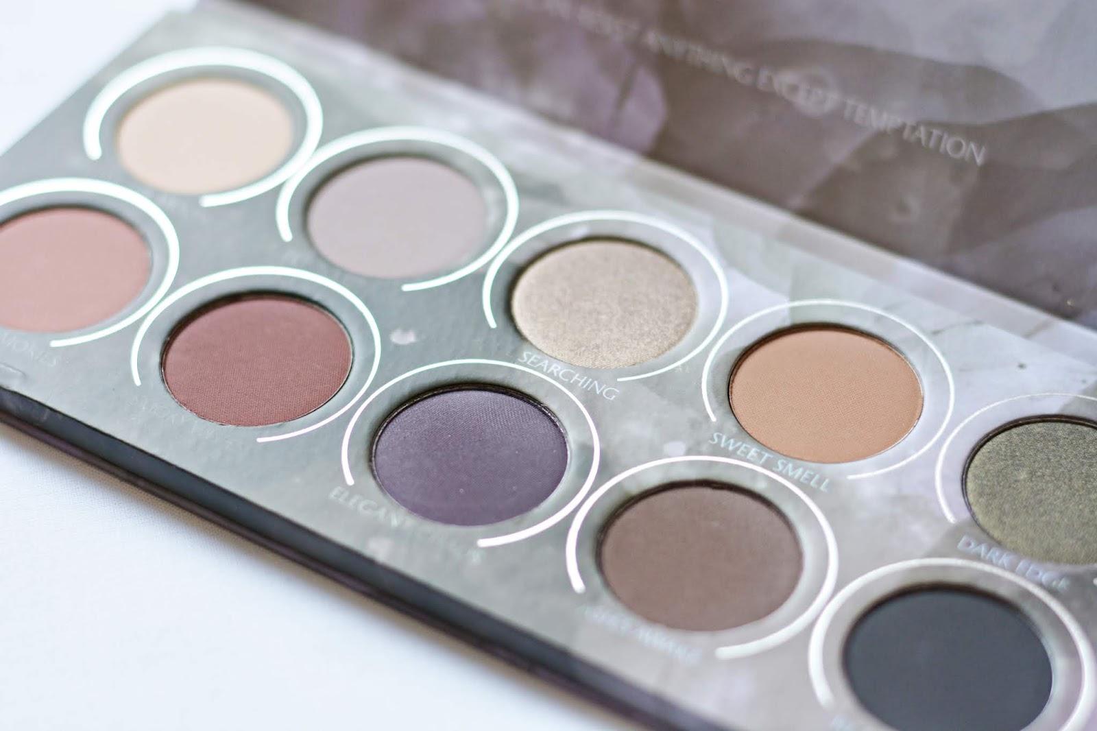 Zoeva Smoky palette kolory