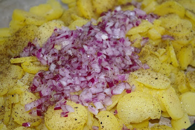 Salată de Cartofi cu Mere - Rețetă De post & Fără gluten (vegană & vegetariană)