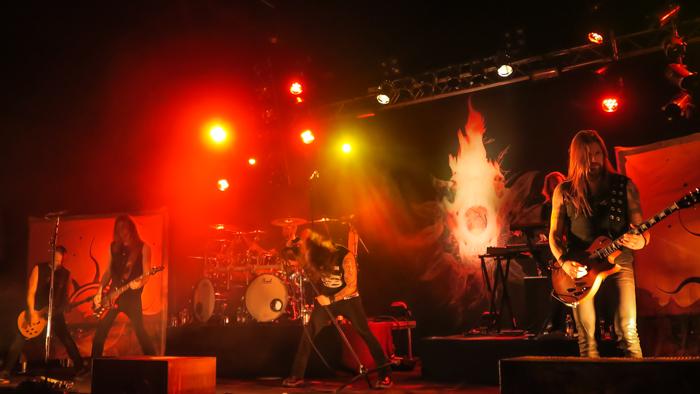 Finnish heavymetal band Amorphis suomalainen heavy metal bändi