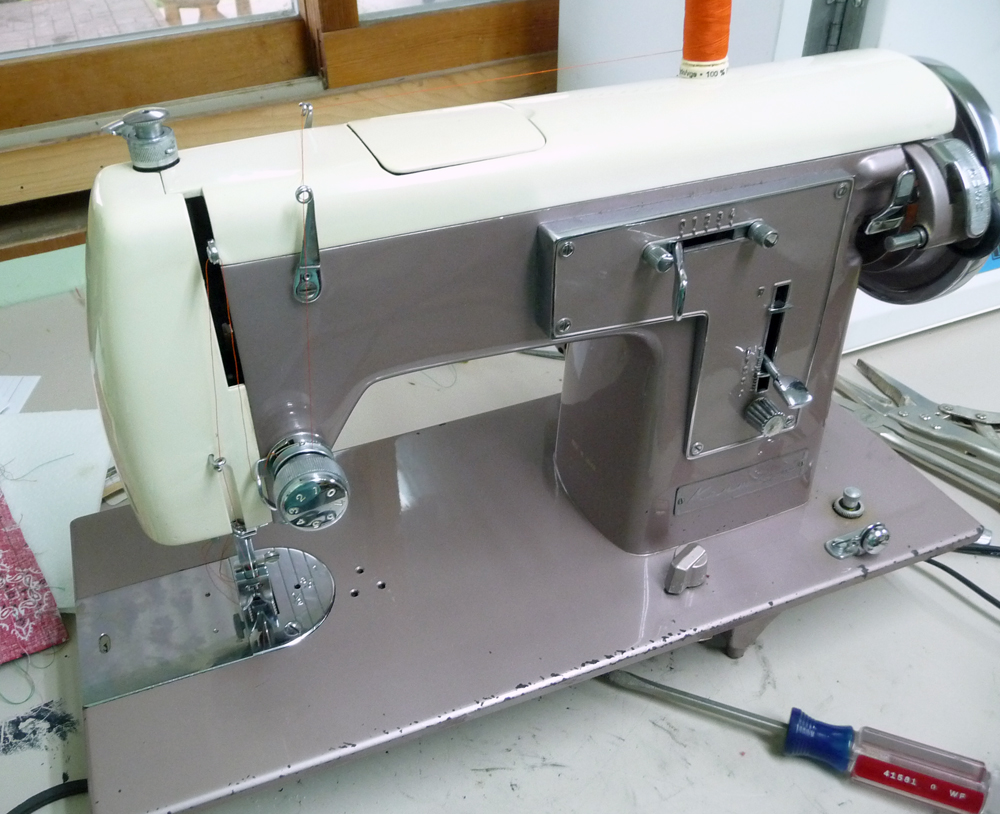 Sew Retro Machine 2016 Necchi Supernova Sewing Threading Diagram Vintage Per The Instructions On Motor Housing It Runs And Stitches Well Although There Is A Squeak Which Driving Me Batty As I Try To Track Down