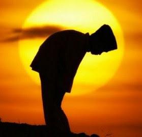 35 Kebiasaan Nabi Saw Ketika  Sholat Yang Harus Kita Teladani