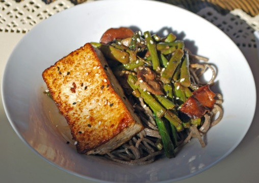 The Soba Noodles with Misocalazed Tofu and vegetables
