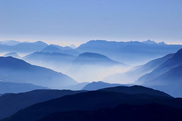 Blue Mountains Mist HD Desktop Wallpaper