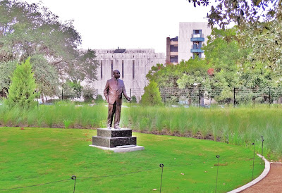 Statute of MLK at Centennial Gardens / Hermann Park