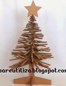 http://brisareutiliza.blogspot.com.es/2014/10/arbol-de-navidad-de-carton.html