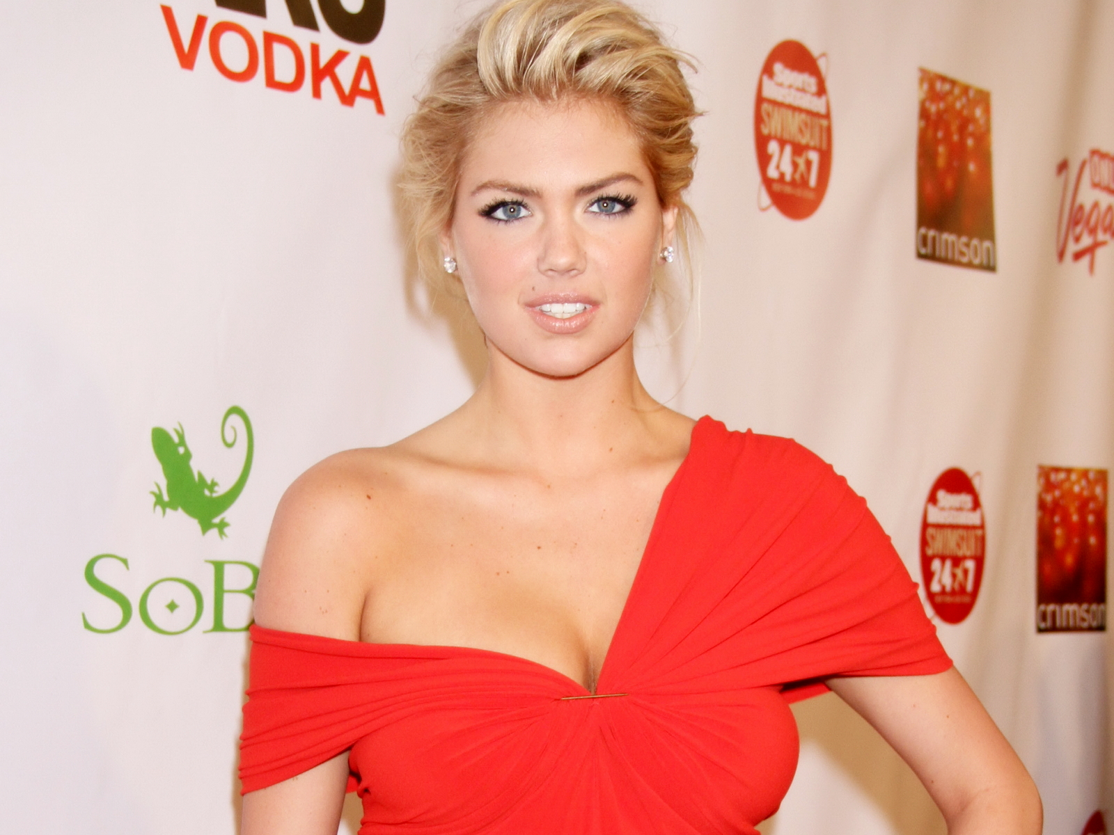 Kate Upton: Passion For Luxury : Kate Upton Named Model Of The Year 2013