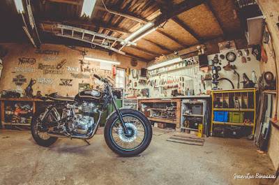 Royal Enfield 500 Cafe Racer by MCNC