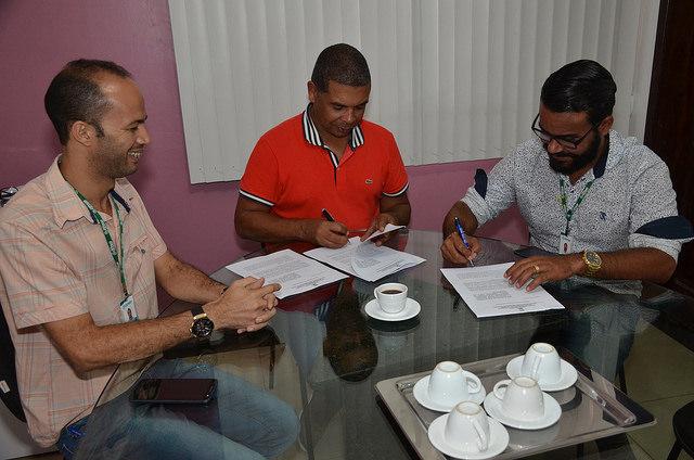 Estágio curricular, aprendizado e qualificação: Prefeitura assina convênio com o Centro Tecnológico Senhora Santana (CETASS)
