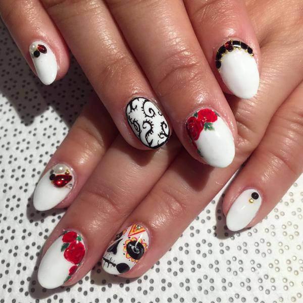 Santa Claus Sugar Skull Nails