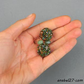 Зеленые серьги из бисера - 164 / 365 - оплетенные бусины
