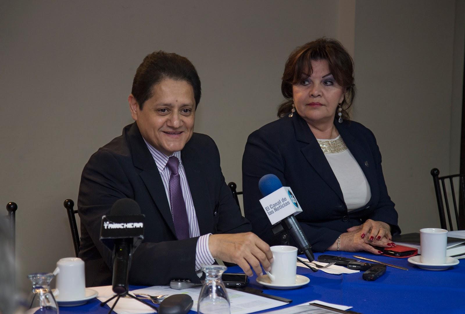 Dialoga Secretario De Educacion Con Periodistas Mexicalenses