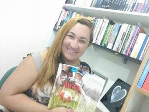 Ruth Arnaldo - Escritora