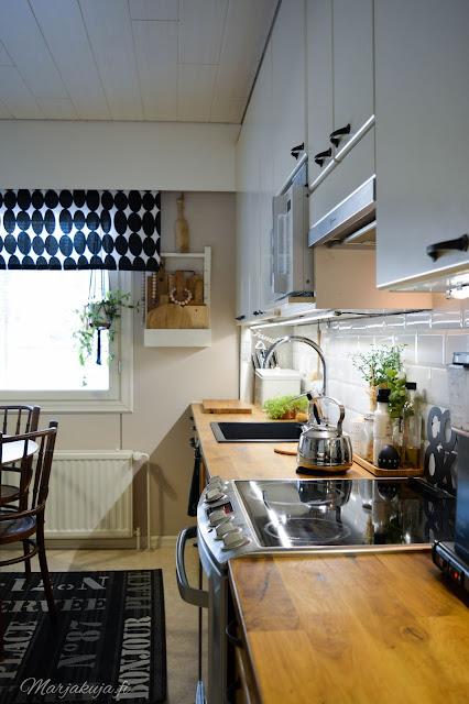 keittiö kitchen musta allas mora facetti koti puustelli rustiikki hella