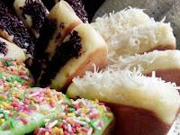 Resep Kue PUKIS Empuk dengan olesan Margarin dan Meses Ceres