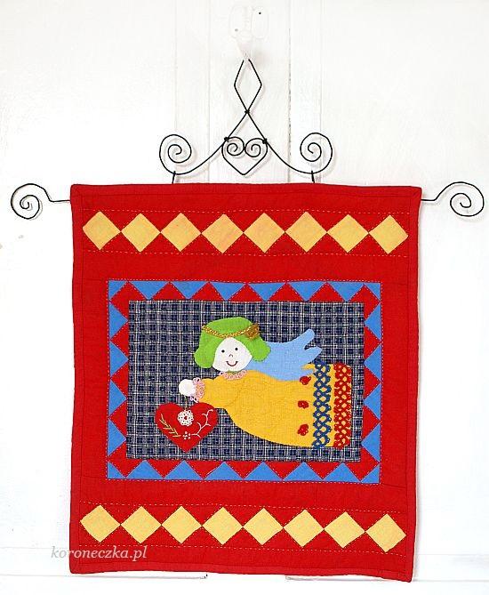 Aniołek z serduszkiem - ręcznie pikowany patchwork