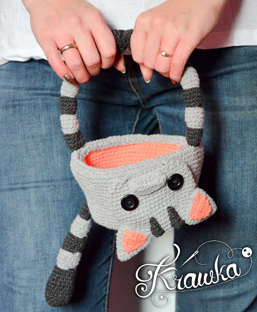 Krawka: Dead cat Halloween basket crochet pattern, candy bag
