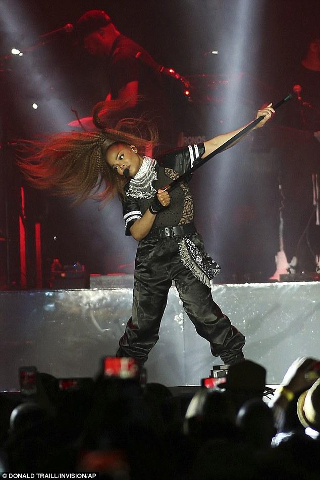 Janet Jackson wows during powerhouse 2018 Essence Music Festival performance